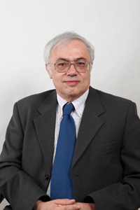 Dr. Falus András